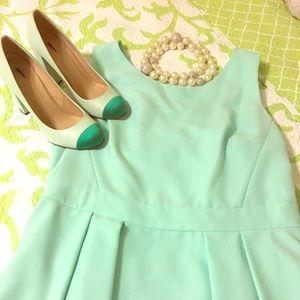 NWT Kate Spade ♠️ mint green open bow back dress